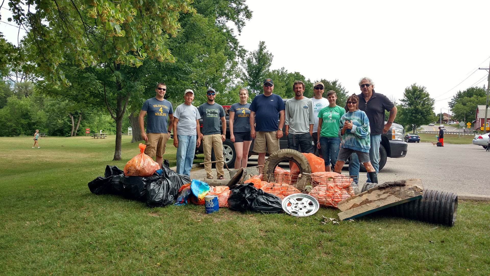 Michigan volunteers work to preserve the outdoors